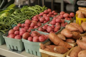 Grocery Shopping Local: Alternative grocers offer unique and healthy options and locally-grown products